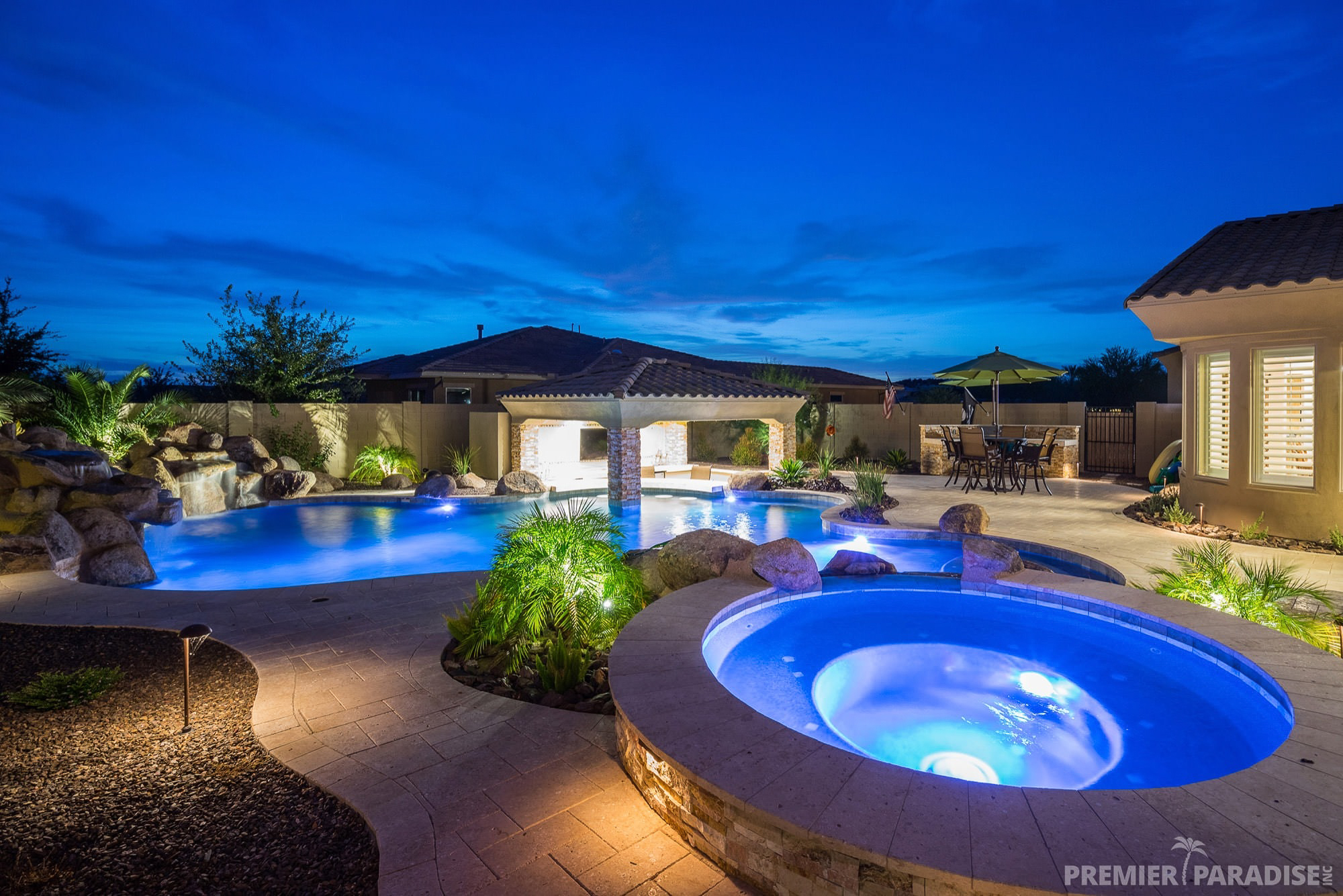 premier-paradise-inc-backyard-boulder-living-gilbert ... on Luxury Backyard Design id=47655