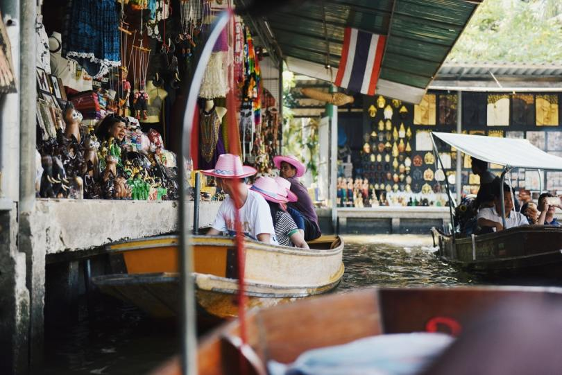 Damnoen Saduak 1024x684 - 9 Must-See Places while Teaching in Thailand