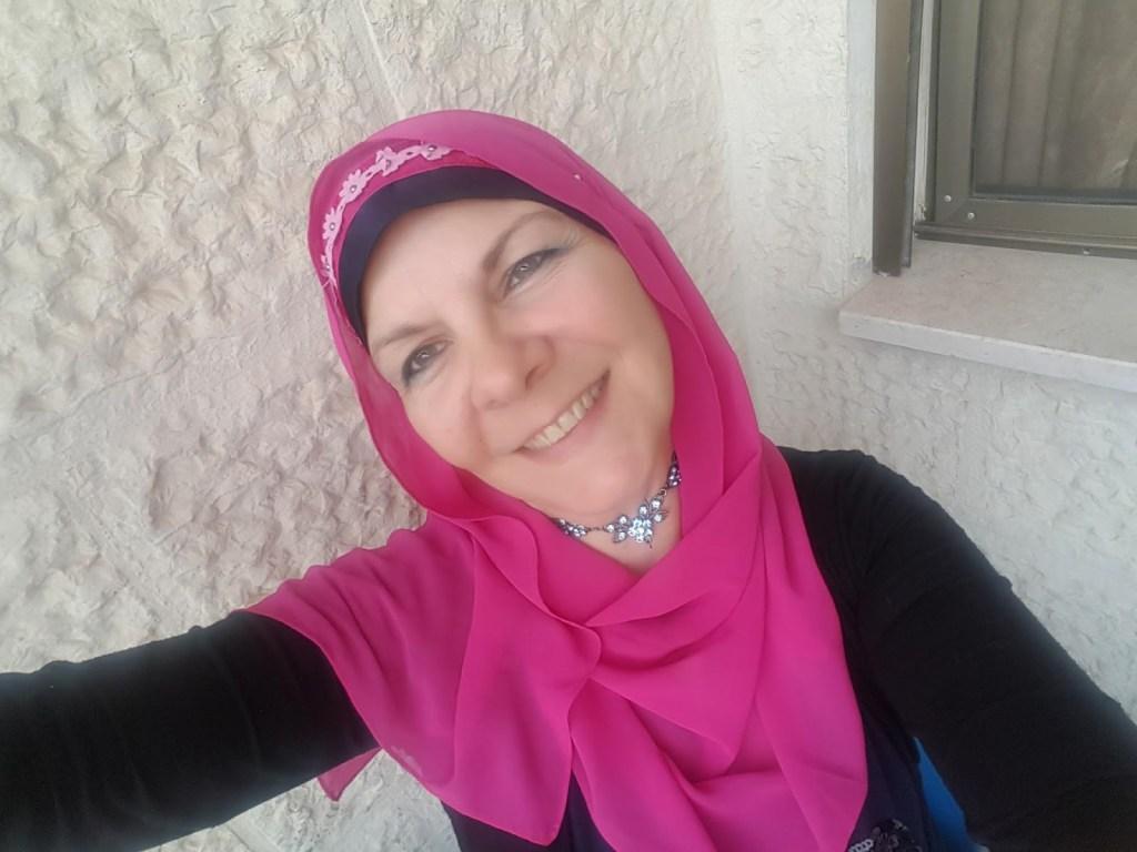 Lorie online English teacher 1024x768 - Meet Lorie Sprague, Jordan-based Online English Teacher