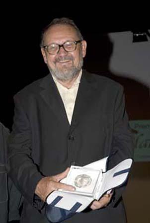 Alexis BËtemps con la medaglia del Premio