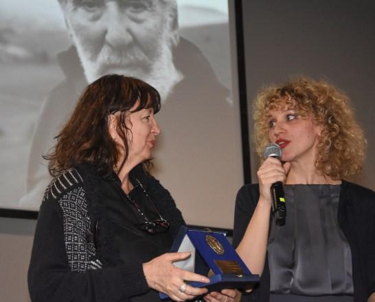 La presentatrice con Antonella Tarpino