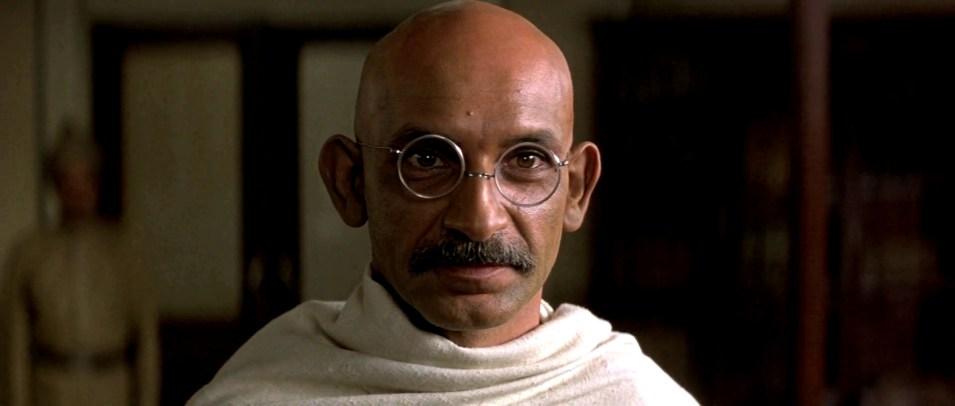 Mahatma Gandhi interpretato da Ben Kingsley