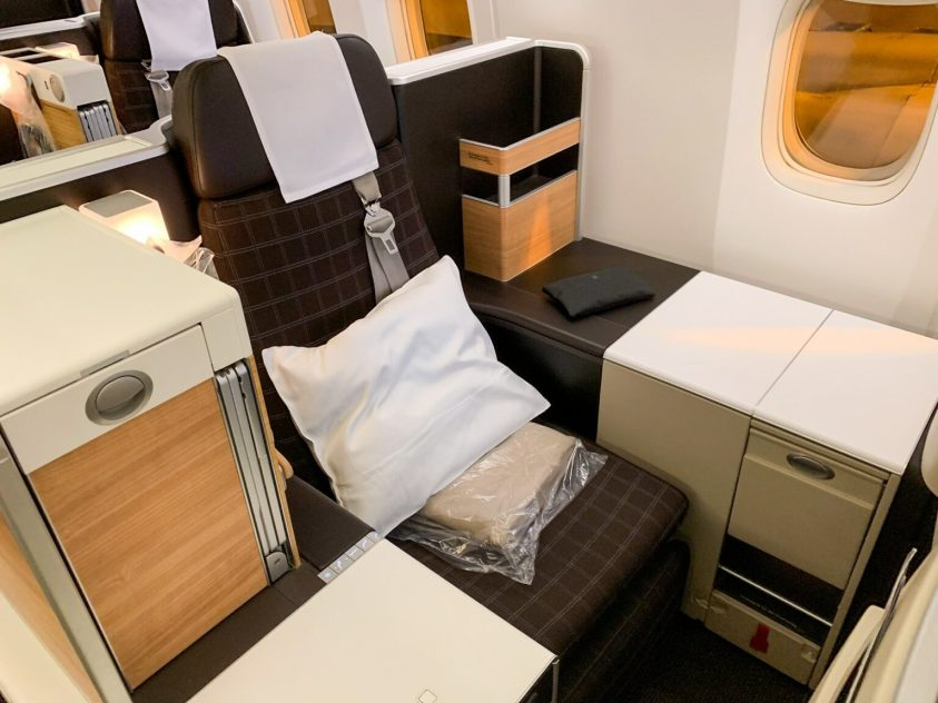 Swiss B777 Business Class (Photo by Ethan Steinberg / The Points Guy)