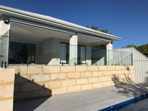 frameless-glass-pool-fencing-perth-wa14