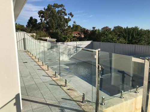 frameless-glass-pool-fencing-perth-wa18