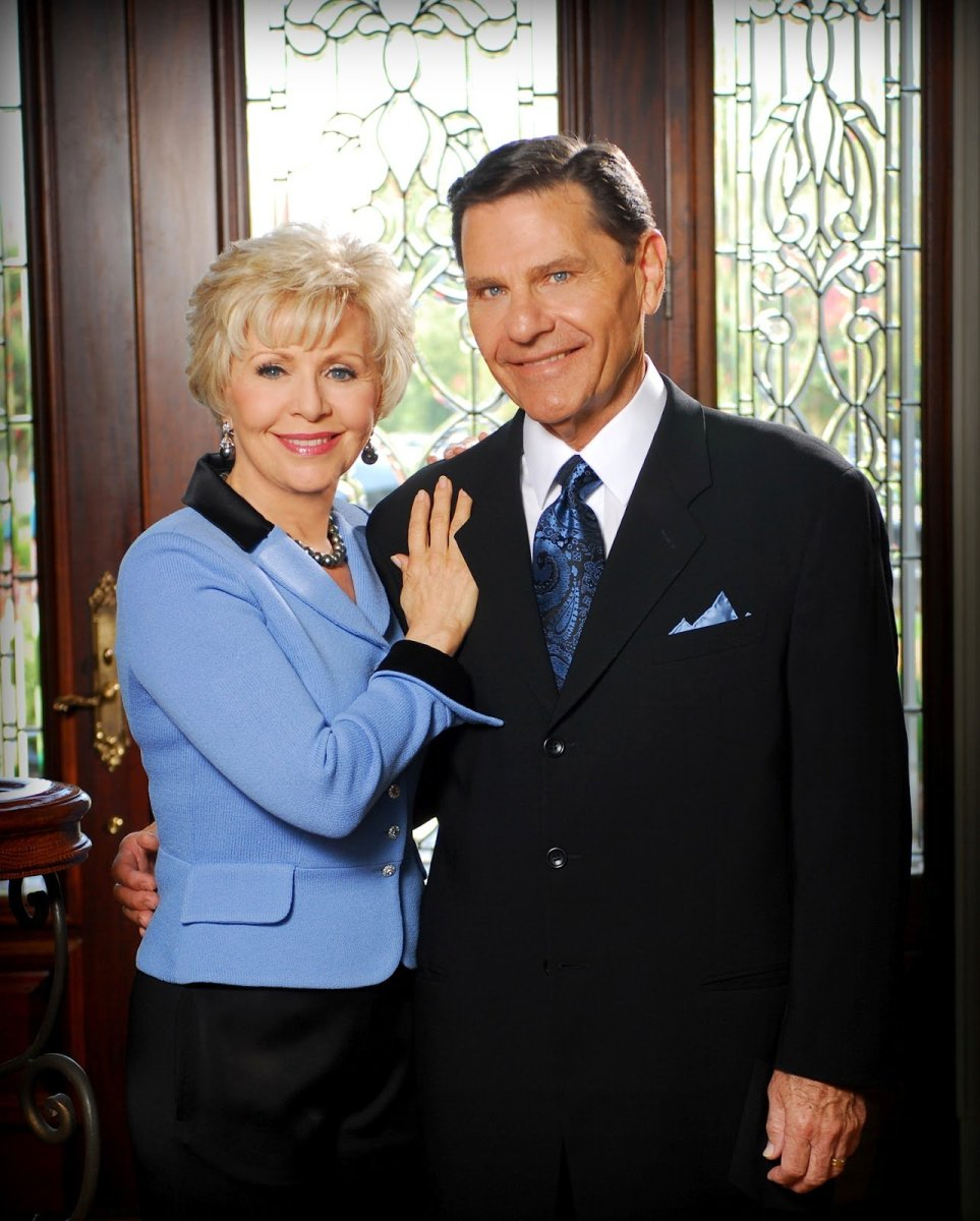 Kenneth Copeland Daily Devotional October 17, 2017 - Living the Love Life