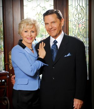 Kenneth Copeland Daily Devotional November 19, 2217