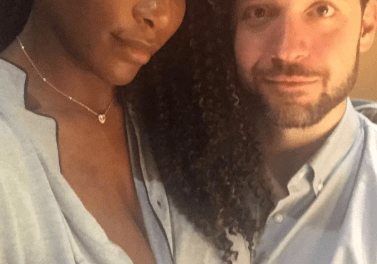 Tennis Champion Serena Williams glows in new photo as she returns to social media after welcoming her daughter