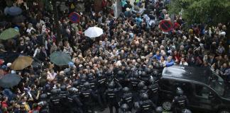Catalan Independence Referendum: Protesters left injured