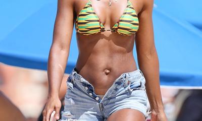 Kelly Rowland shows off her perfect bikini body