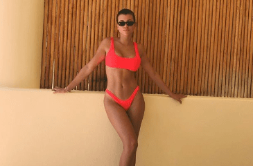 Lionel Richie's daughter Sofia flaunts her amazing bikini body on IG as she turns 20