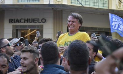 dramatic moment Brazil presidential frontrunner Jair Bolsonaro got stabbed at his campaign rally