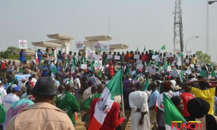 Nigerian governors warn Labour to expect sack over N30,000 minimum wage