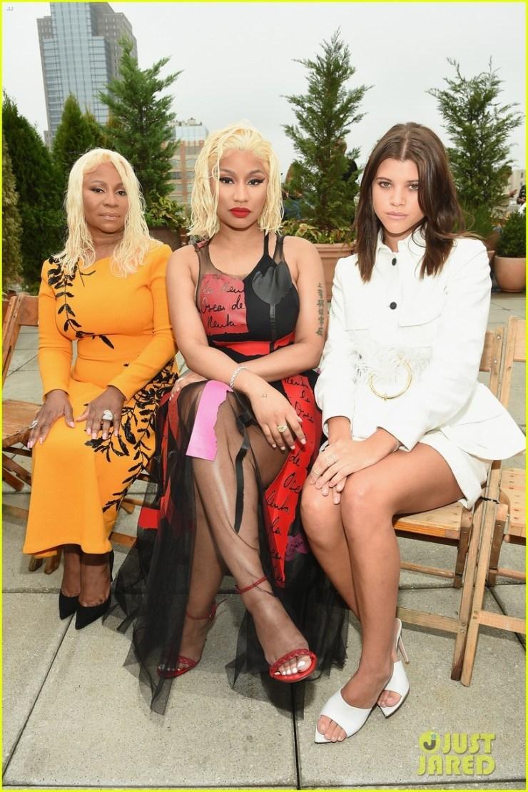 Nicki Minaj and her mom rock matching hairstyles as they attend Oscar De La Renta Show