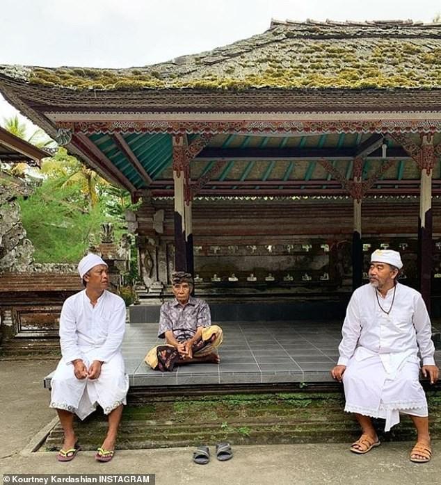 Kourtney Kardashian travels with ex-Scott Disick for family trip to Bali (Photos)