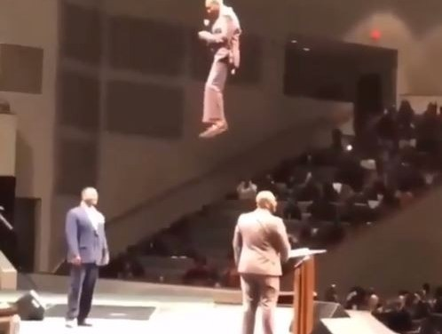 Pastor shocks his congregation as he appears from the 'sky' during church service (Watch Video)