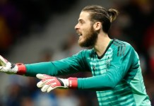 De Gea signs new contract at Manchester United