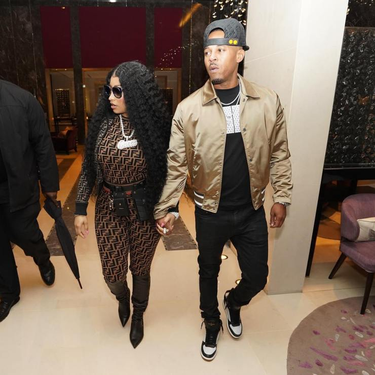 Nicki Minaj shares loved-up photos with her man