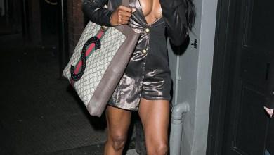 Sinitta flaunts her ample cleavage