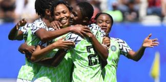 Nigeria beat South Korea 2-0