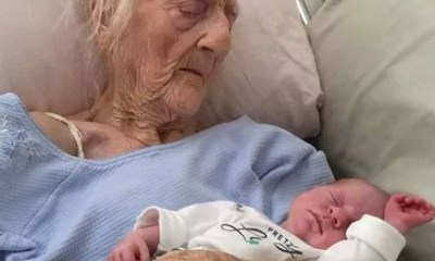 74-year-old Indian woman delivers twin baby girls