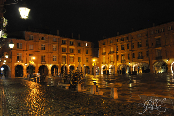 Montauban Place Nationale de nuit