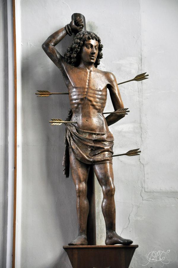 Prendre le temps - Saint Sébastien - saint patron des archers - statue dans église en Picardie