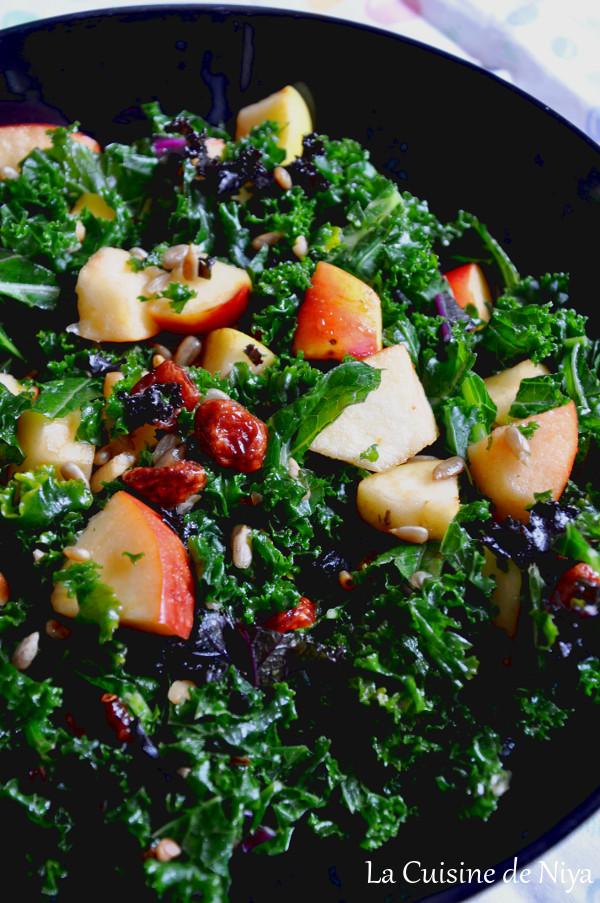Prendre le temps - salade de chou kale, pommes et cranberrys - vegan