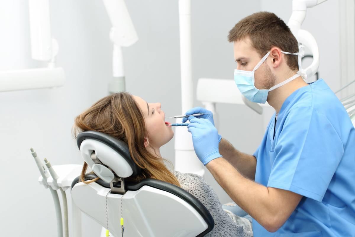 Qu'est-ce que le tourisme dentaire et faut-il s'y fier ?