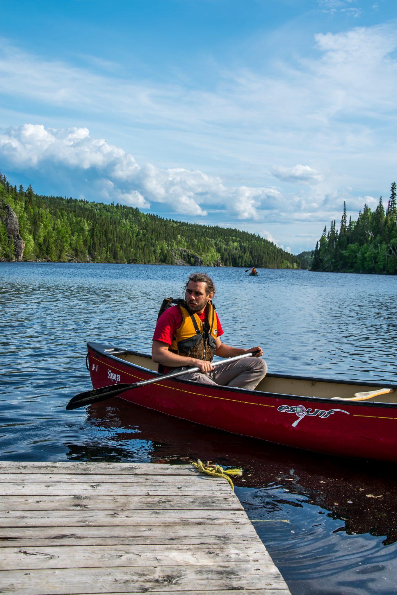 canoe rouge