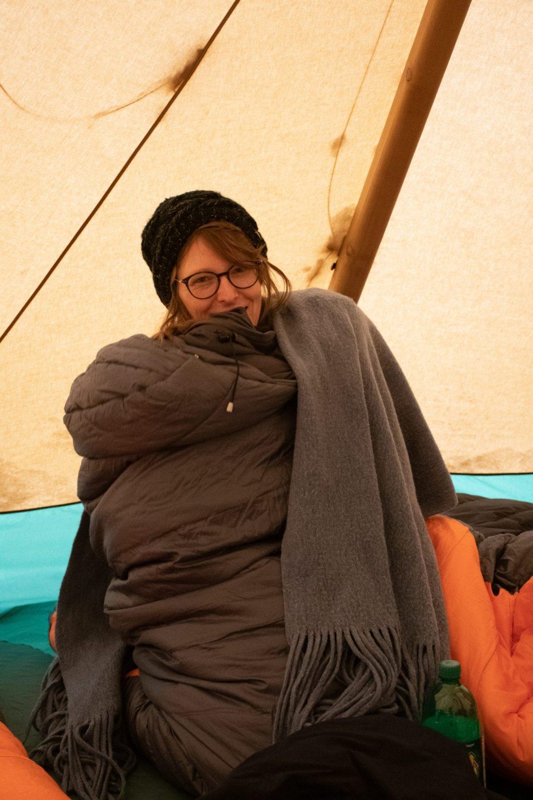 femme sac de couchage