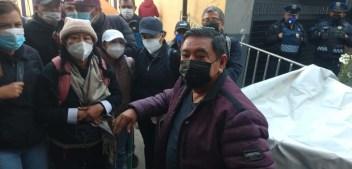 Félix Salgado llega al TEPJF y arma plantón