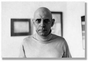 Michel Foucault: comunista, drogadicto, homosexual y apologista de la pedofilia, murió de SIDA en 1984. Es el intelectual más aplaudido por la corrección política y el marxismo cultural hoy en boga.