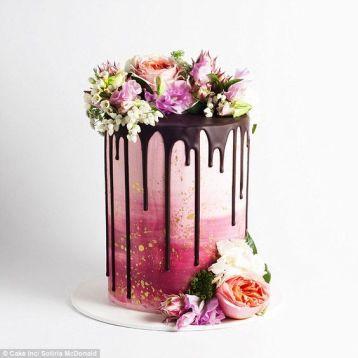 Drip wedding cake with flowers