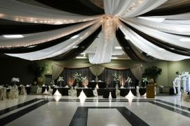 Dramatic geometric shape dance floor