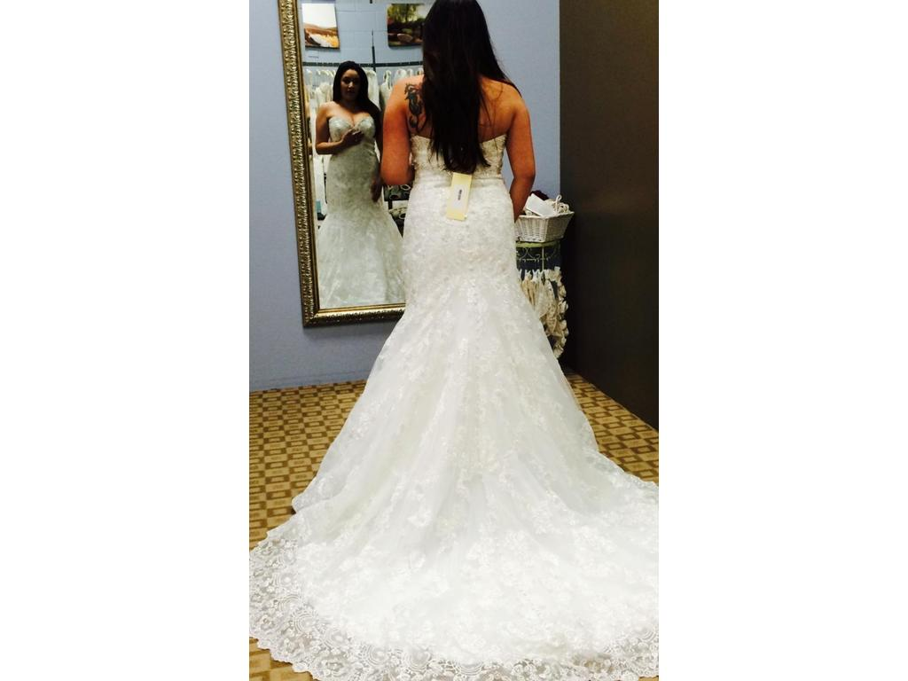 Allure Bridals Sweetheart Ivory Lace Mermaid Dress Style