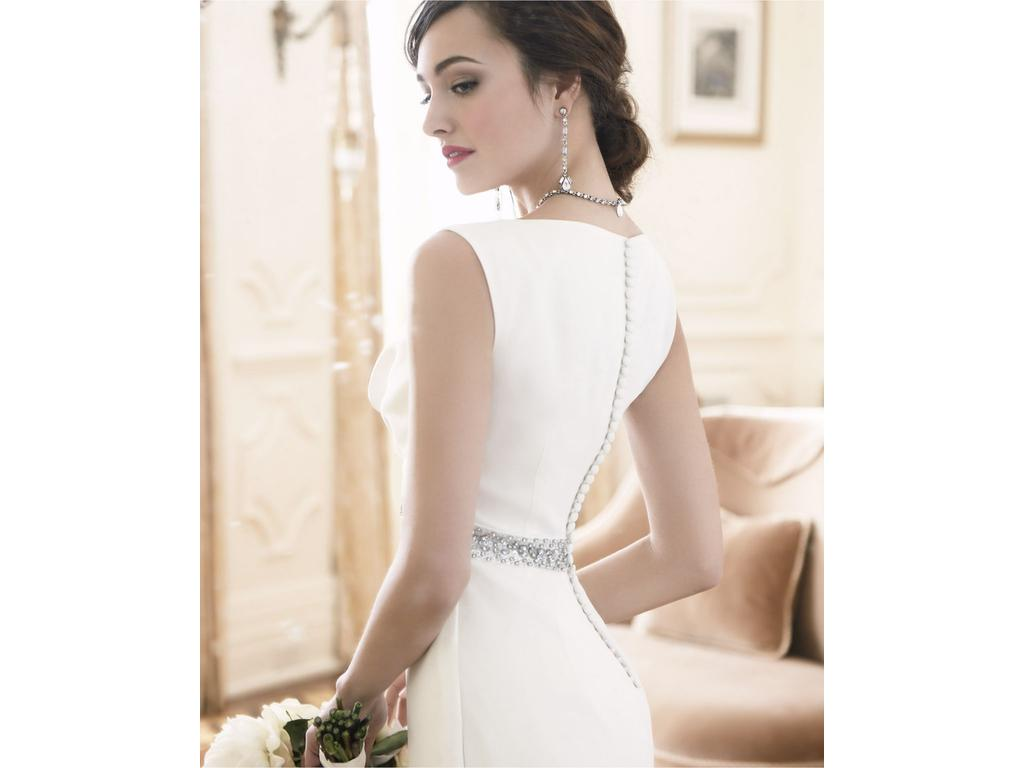 Ann Taylor MYA COWL NECK WEDDING GOWN, $215 Size: 00