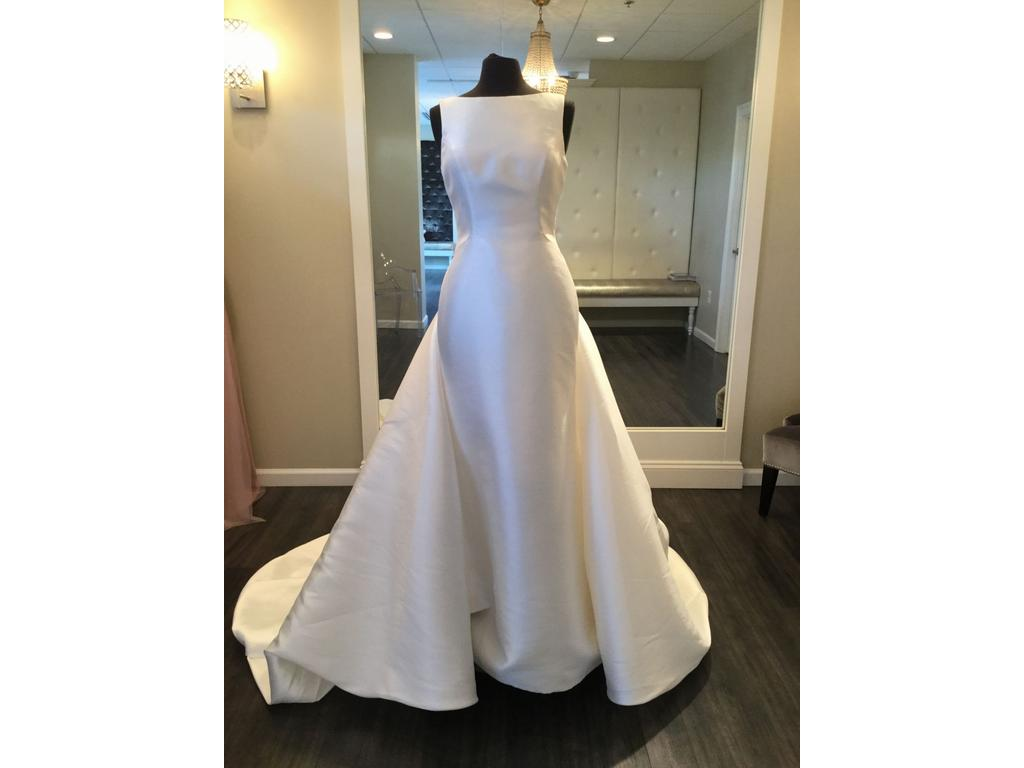 Pronovias Trisa With Detachable Train, $1,399 Size: 10