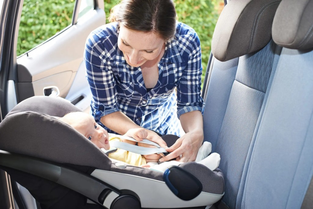 3 Reasons to Keep Child Rear Facing For As Long As You Can - PreparaMom