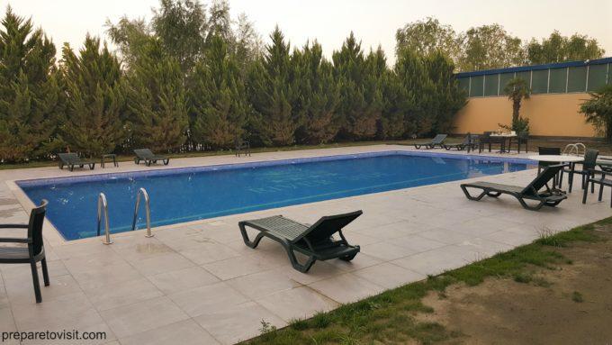 River Side Hotel Mingachevir swimming pool