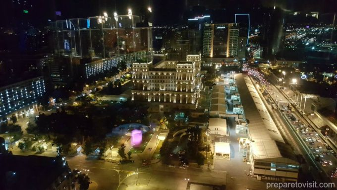 360 Bar-Hilton Hotel - view of Baku