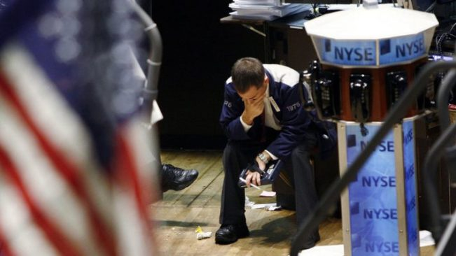 What are the warning signs of an economic collapse?
