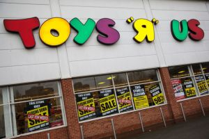 Toys 'R' Us plans to close all U.S. stores; 33,000 jobs would be lost