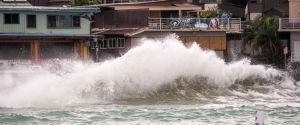 Powerful Hurricane Lane lashes Big Island, Maui as it churns toward islands
