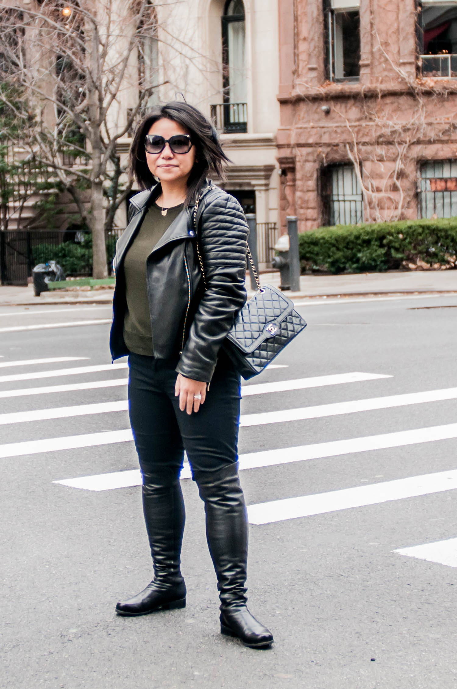 styling-a-black-moto-jacket