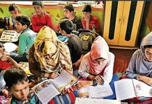 Kashmir schools holding early-morning classes to minimize academic losses