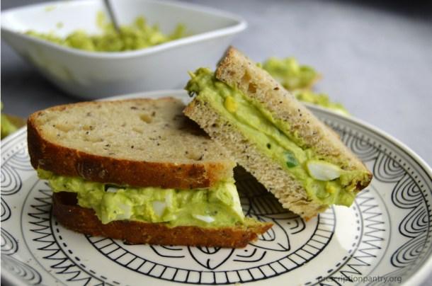 avocado egg salad sandwich