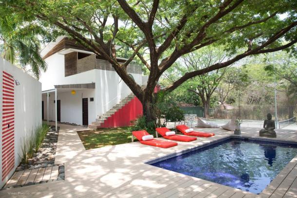pool buddha Costa Rica