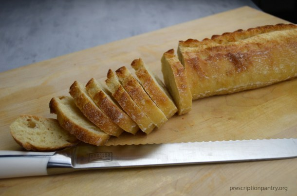 bread sliced knife