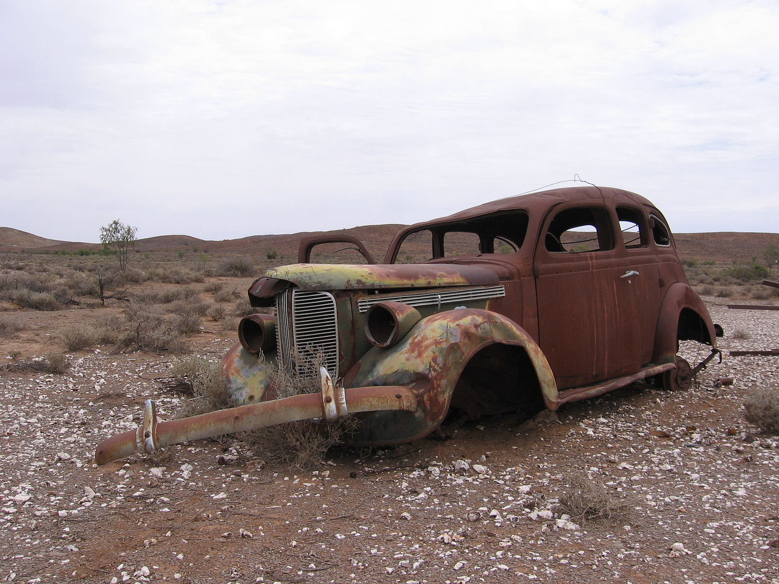 1600px-Rusted_car2C_Strezlecki_Track